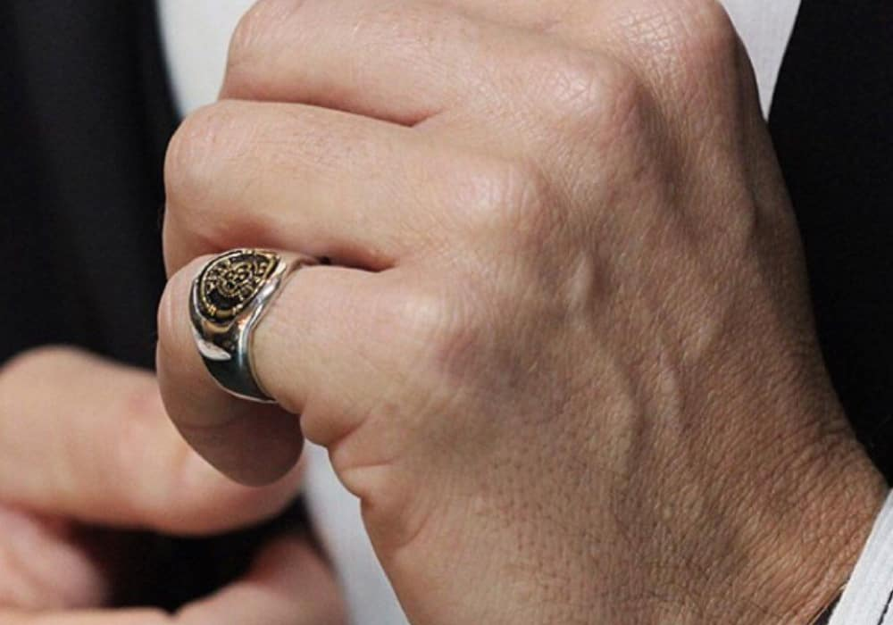 11 Meanings of Pinky Ring That You Might be Interested