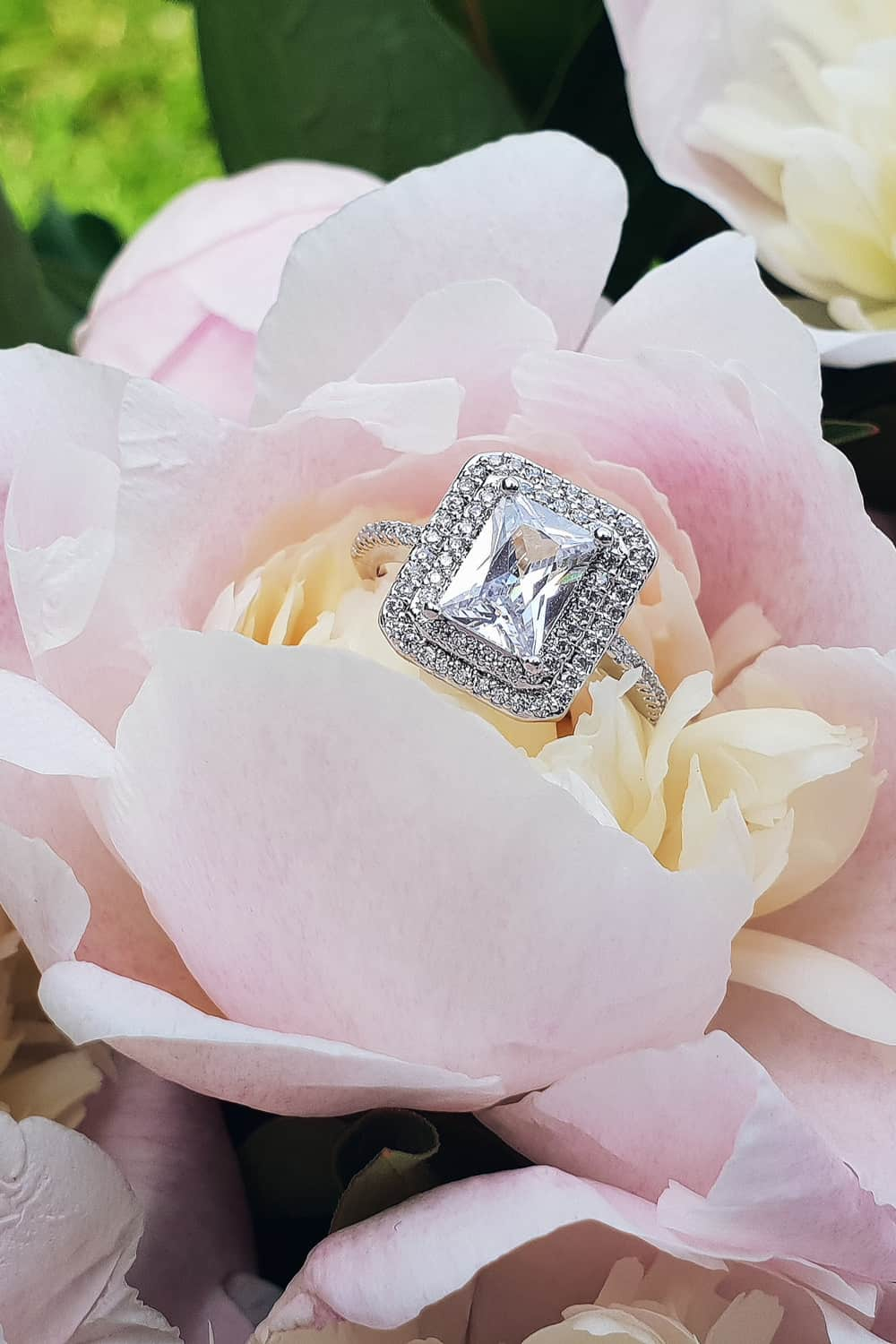 Get an Excellent Engagement Ring for Less Money