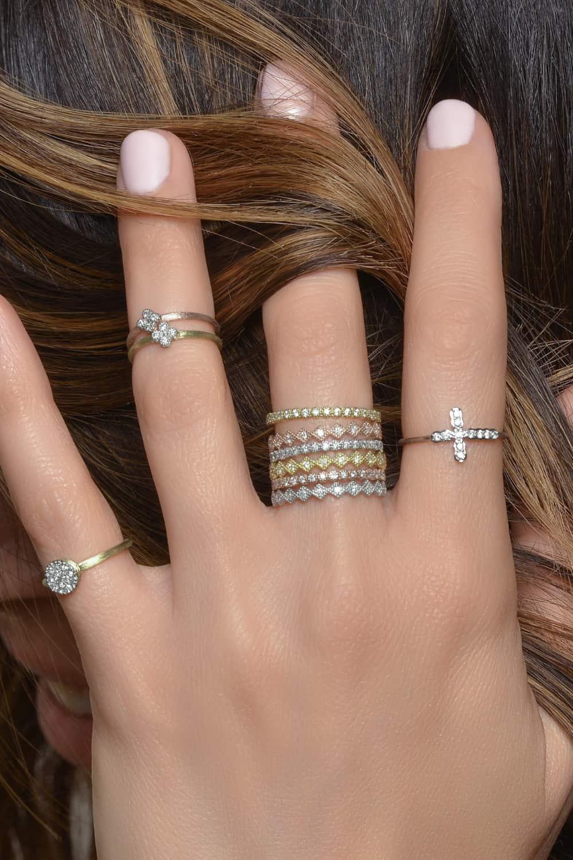 Ways to Arrange Mini Rings