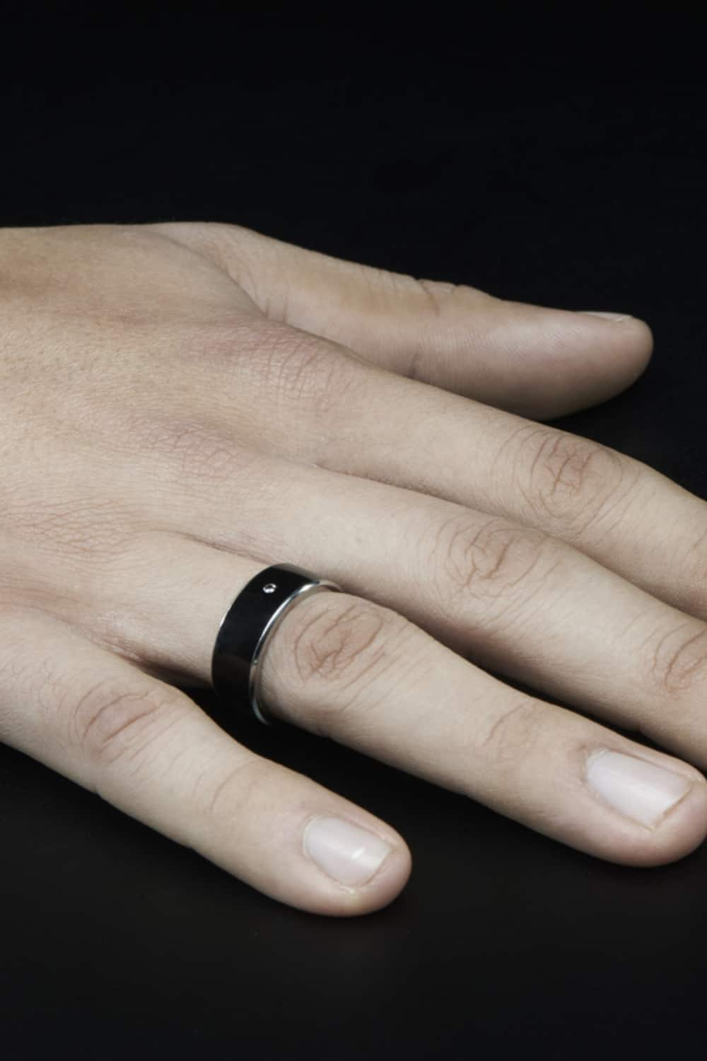 What does a smart ring look like