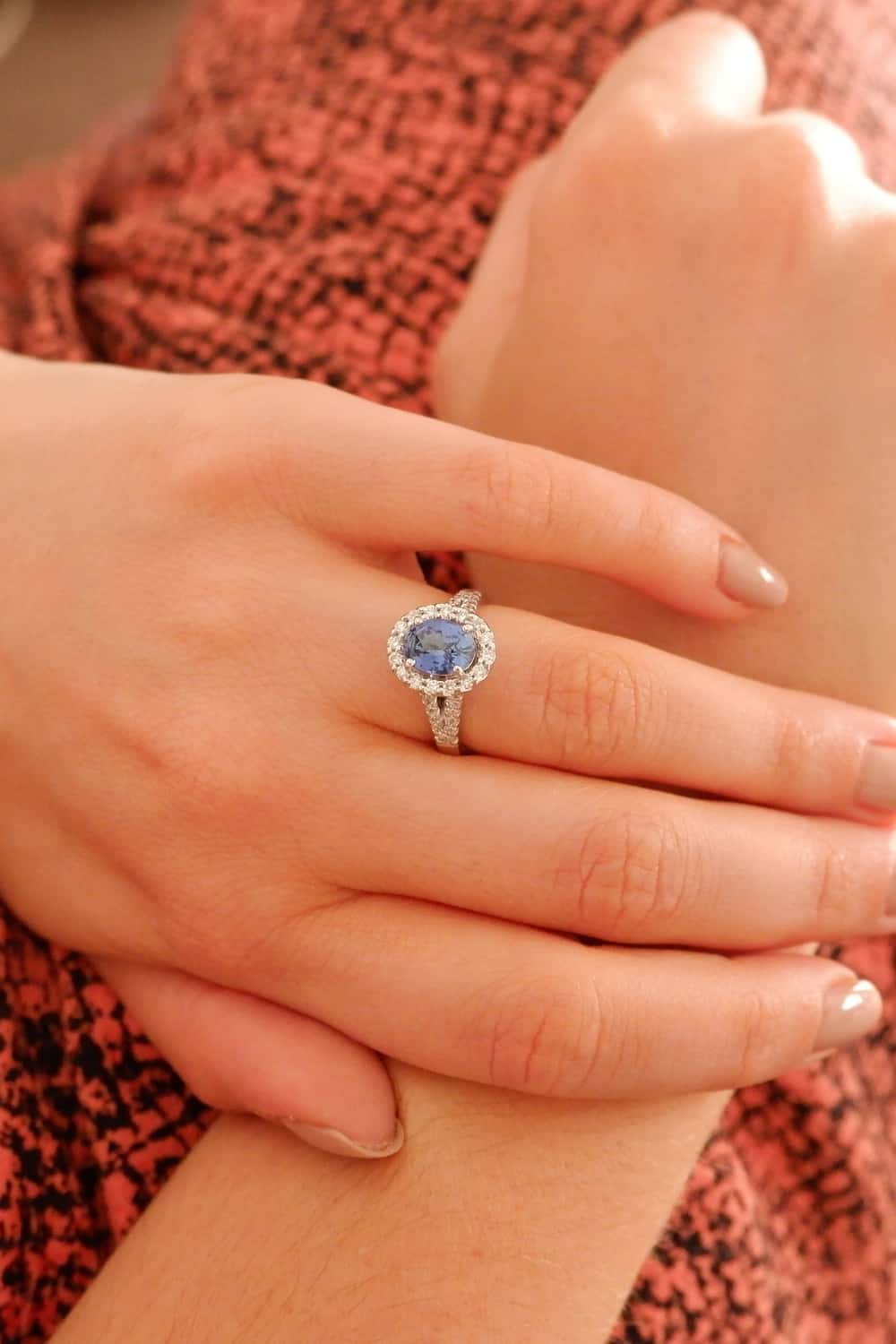 What is Most Suitable Center Stone for A Halo Ring