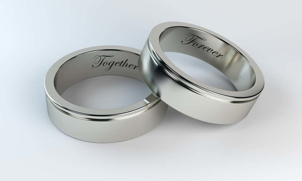 12 Wedding Ring Engraving Ideas & Tips