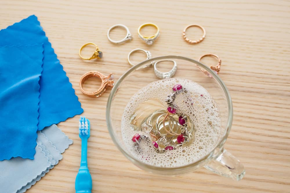 10 Tips to Clean Gold Jewelry at Home