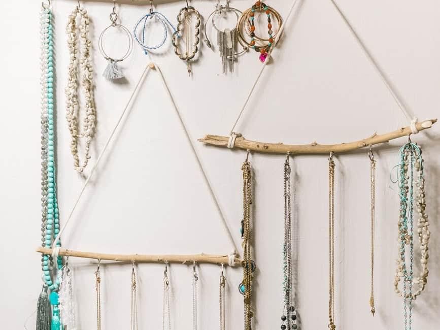 DIY Jewelry Holder (for under $10) – Jewelry Organization