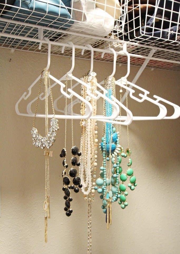 DIY Jewelry Organizer – Twotwentyone.net