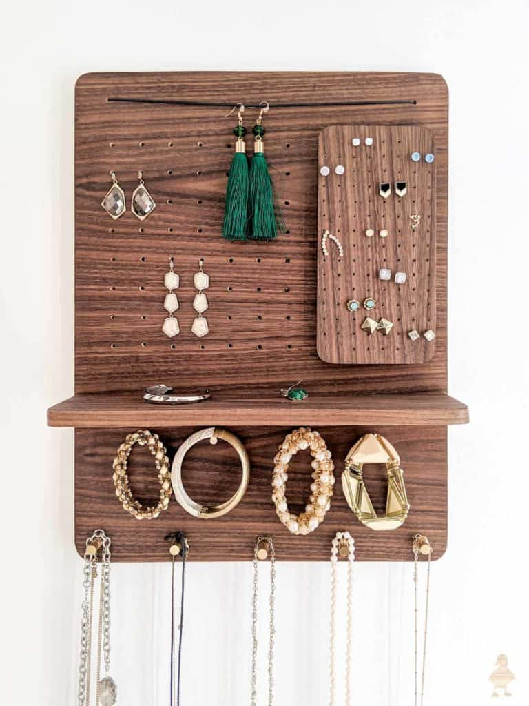 DIY Jewelry Organizer – Ugly Duckling House