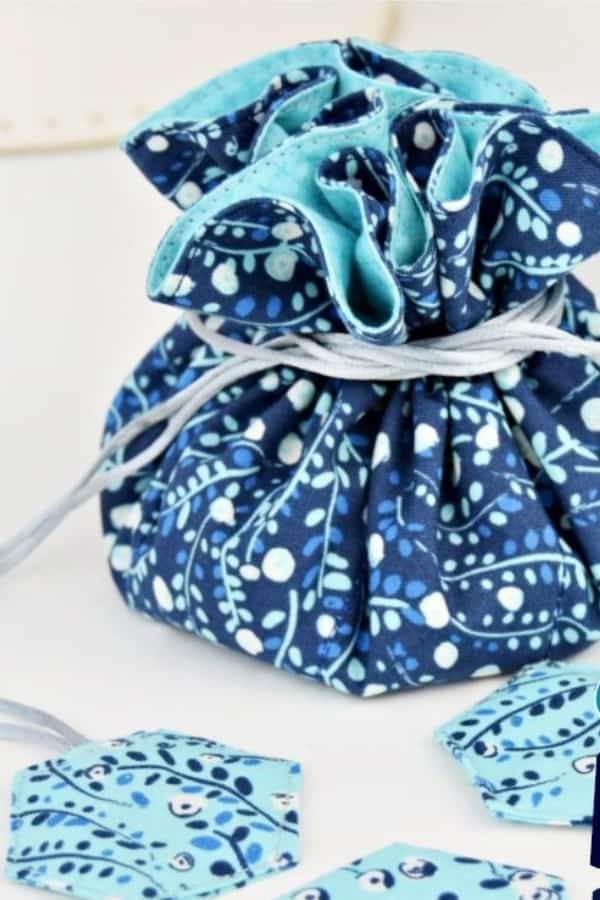 DIY Jewelry Organizer Free Sewing Pattern – AppleGreen Cottage