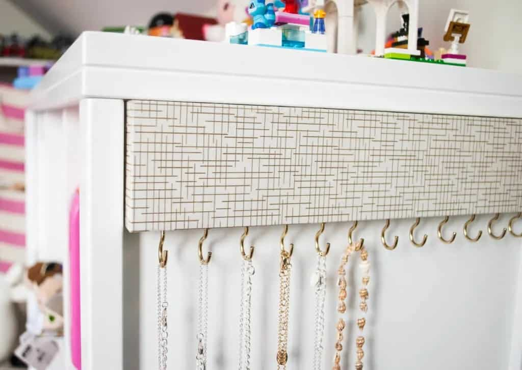 Easy DIY Jewelry Organizer for Tangle-Free Necklaces – Merriment Design