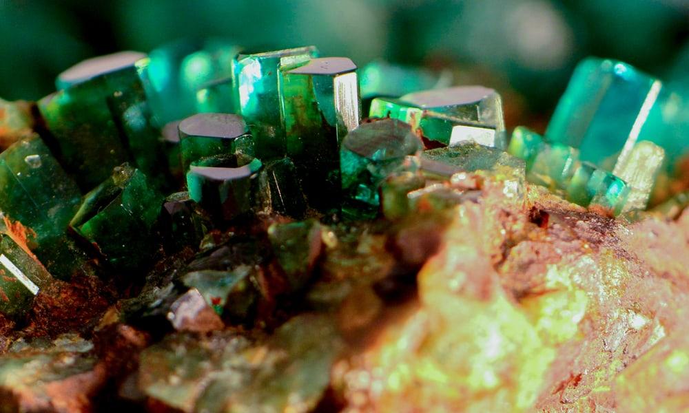 Emerald vs. Diamond - Difference in Composition