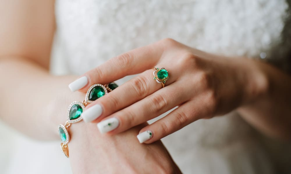 Emerald vs. Diamond What's the Difference