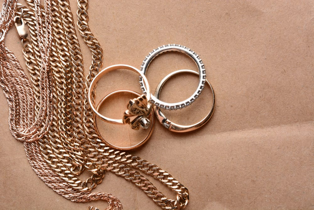 Platinum vs. Gold Which is Better for Your Jewelry