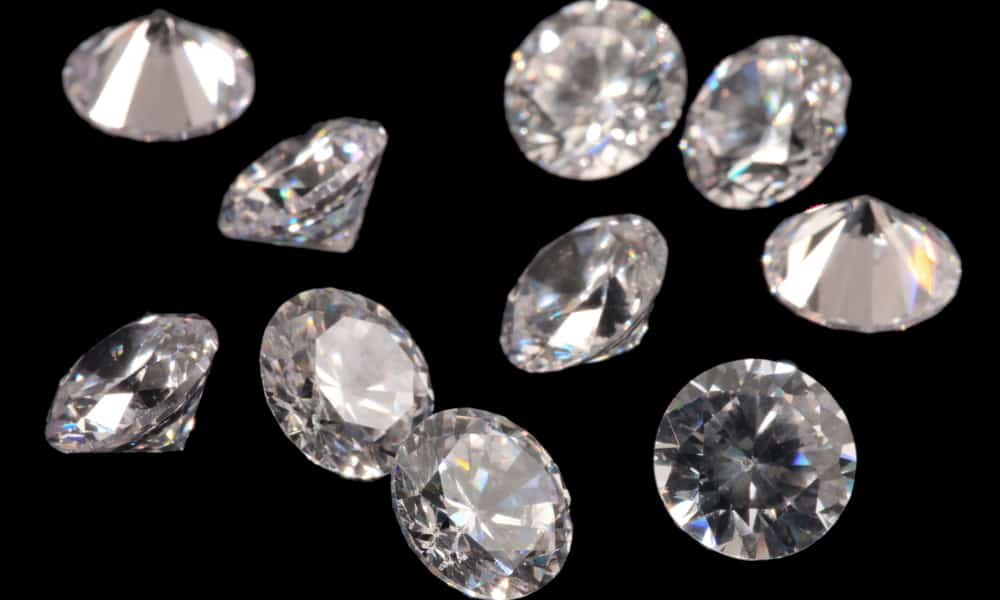 Similarities and differences between Swarovski crystals and diamonds