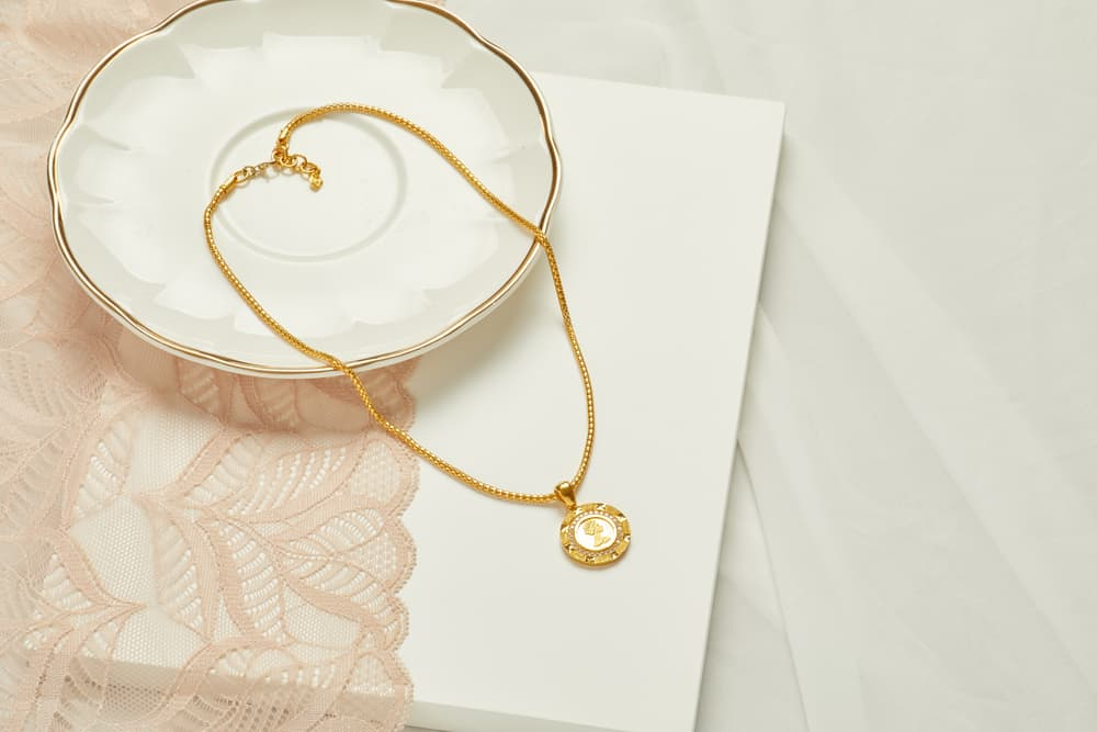 What Does Gold-filled Mean (Tarnishing, Skin Sensitivity & Worth)