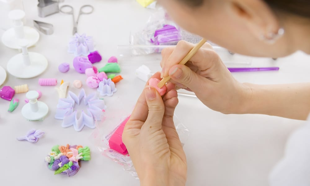 5 Techniques on How to Make Polymer Clay Jewelry – Interweave