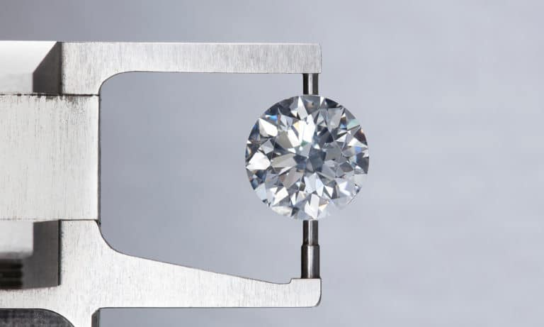 8 Easy Steps to Cut A Diamond