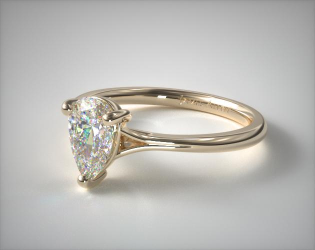 Classic Three-Prong Pear-Shaped Ring