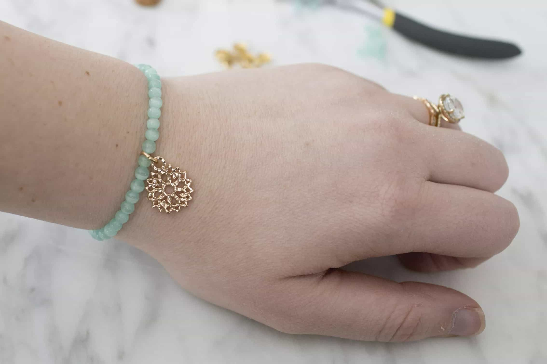 DIY Beaded Bracelet Tutorial – Thesprucecrafts.com