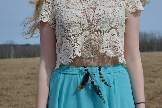 DIY Dreamcatcher Necklace – Juliette Laura