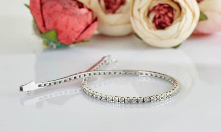How Much is My Diamond Tennis Bracelet Worth (Chart)