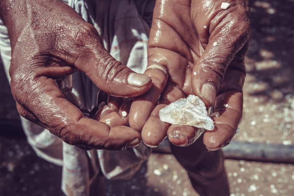 How to Buy a Raw Diamond