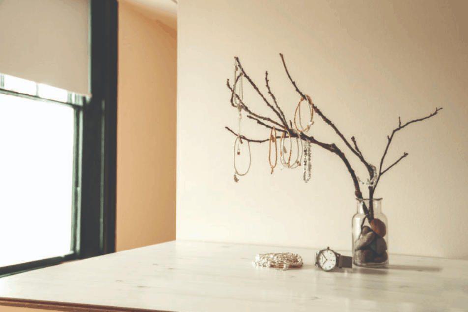 How to Make a Jewelry Tree with Jenny – John Greed
