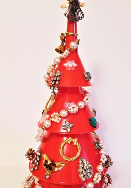 Making a Costume Jewelry Christmas Tree – My Frugal Christmas