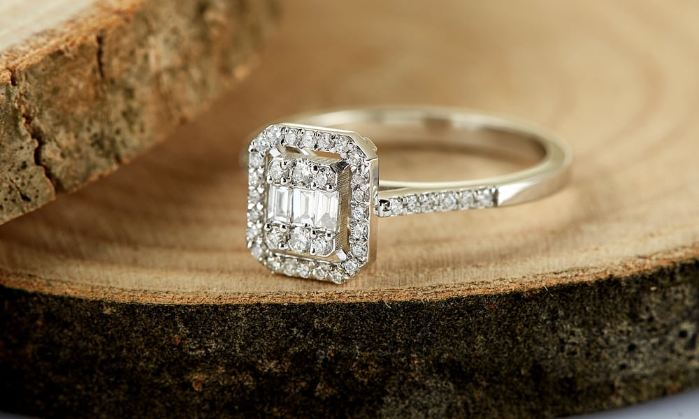 Purity of Diamond Accent in Karats
