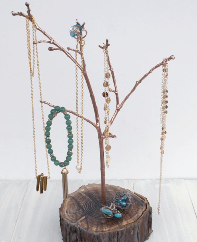 Resin Tree Branch Jewelry Organizer DIY! – Doodlecraftblog.com