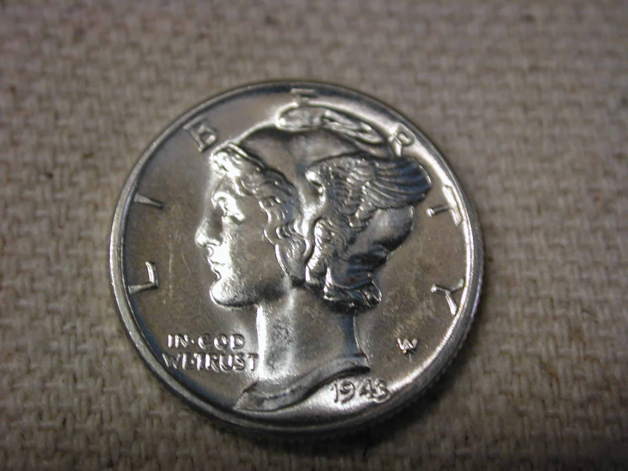 Obverse (head) features